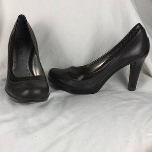Great condition Gianni Bini brown heels